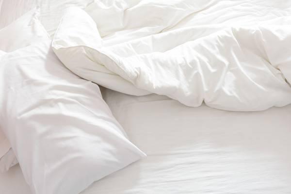 Memory Foam Mattress - image on https://sleepingmattressreview.com